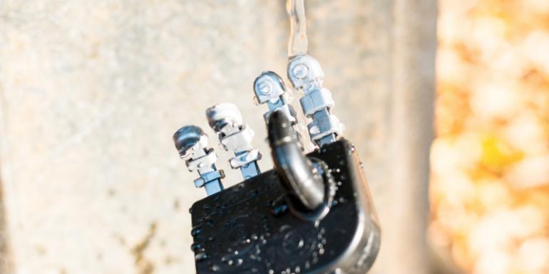 WIJ Blog: Robot hand